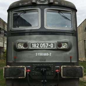 Skoda-182-front